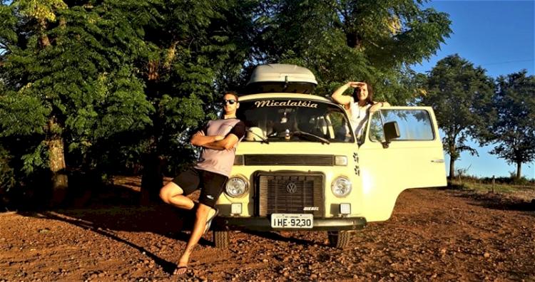 Casal dá pausa no projeto de viajar pelo mundo de Kombi