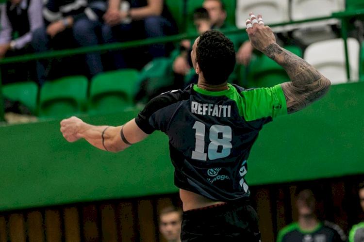 Reffatti renova contrato com time de  voleibol da Hungria