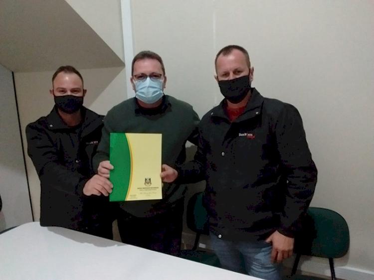 Prefeitura de São José do Inhacorá  doa terreno para instalação  de empresa na área industrial