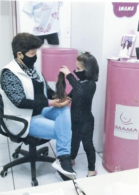 'Esse ano, apesar de ser um ano totalmente atípico, as mulheres com câncer vêm até o Imama para buscar peruca', diz responsável pela unidade de Três de Maio