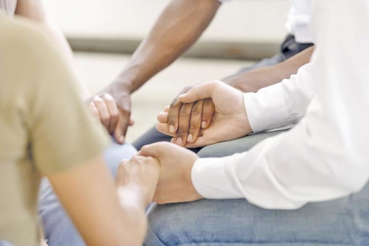Importantes instrumentos de ajuda, grupos  de apoio retomam as reuniões presenciais