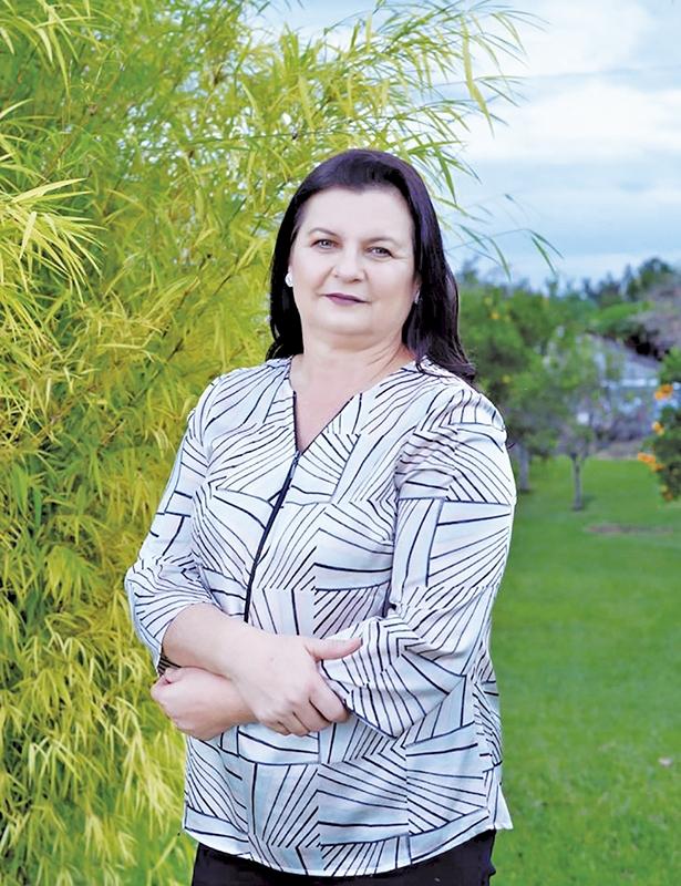 Associados do Sindicato dos Trabalhadores  Rurais reelegem Anisia Trevisan