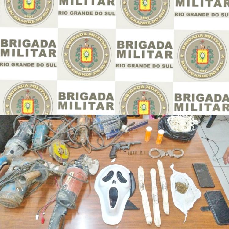 Argentinos são presos com arma de fogo e explosivos na área central de Três de Maio