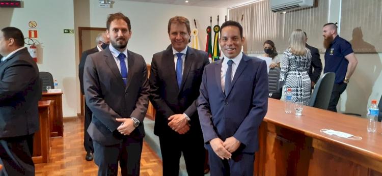 Sessão da Câmara empossa novos vereadores e o prefeito Marcos Benedetti Corso e o vice Josias Correa
