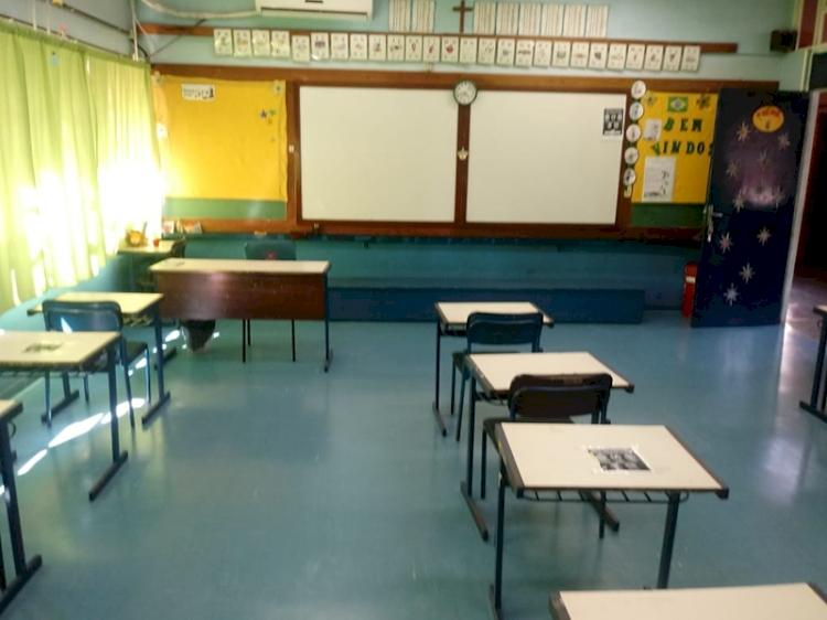 Mais profissionais de Educação  para suprir a demanda das  escolas municipais