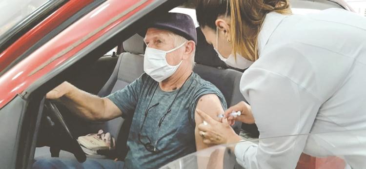 Vacinação continua hoje para os idosos  a partir de 70 anos