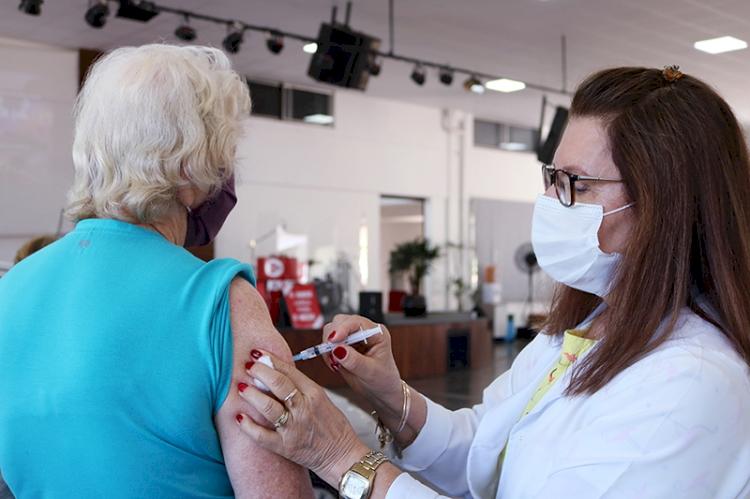 Três de Maio terá vacinação contra  a Covid-19 neste sábado