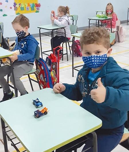 Volta às aulas: momento esperado por muitos pais, alunos e professores