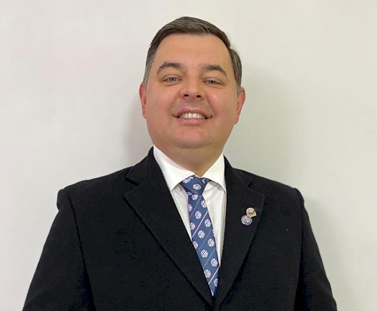 Famílias rotárias de Três de Maio e Independência empossam novas diretorias