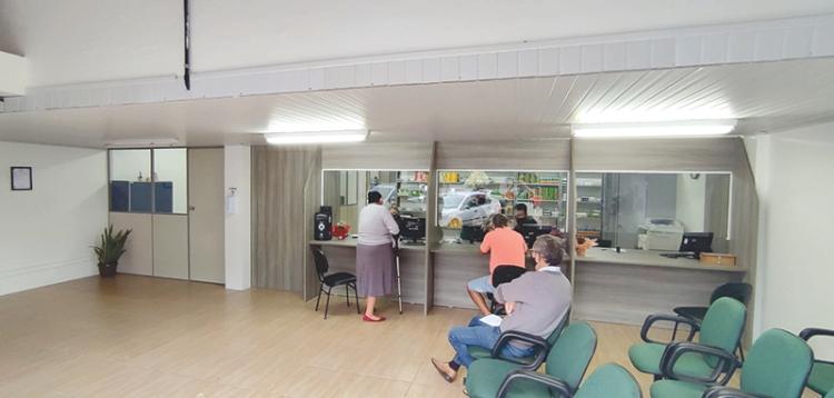 Com uma média de 4.500 atendimentos mensais, farmácia municipal ganha novo espaço